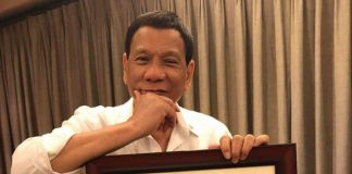 The President of the Republic of the Philippines approves. The commissioned artworks of Moi Moi gets a seal of approval from the President himself.