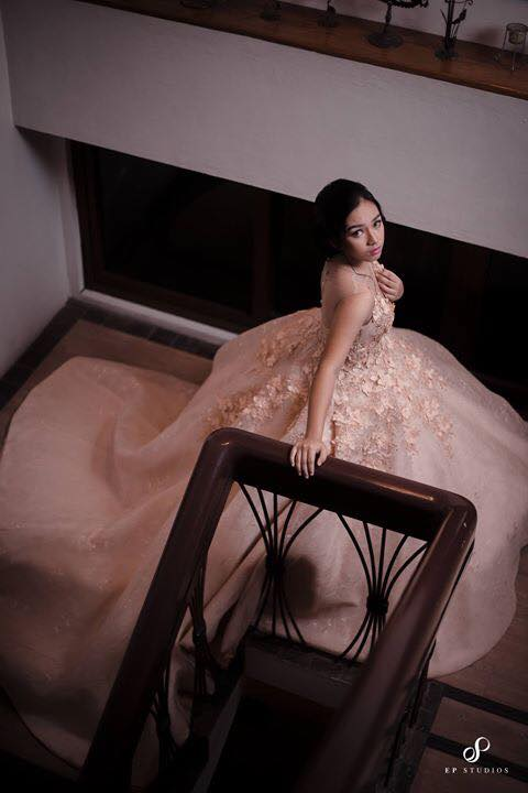 Romantic entrance. Every girl must have dreamt at least once in their life of being the  belle of the ball.  Photo by Elbert Amar Pasoy of EP Studios
