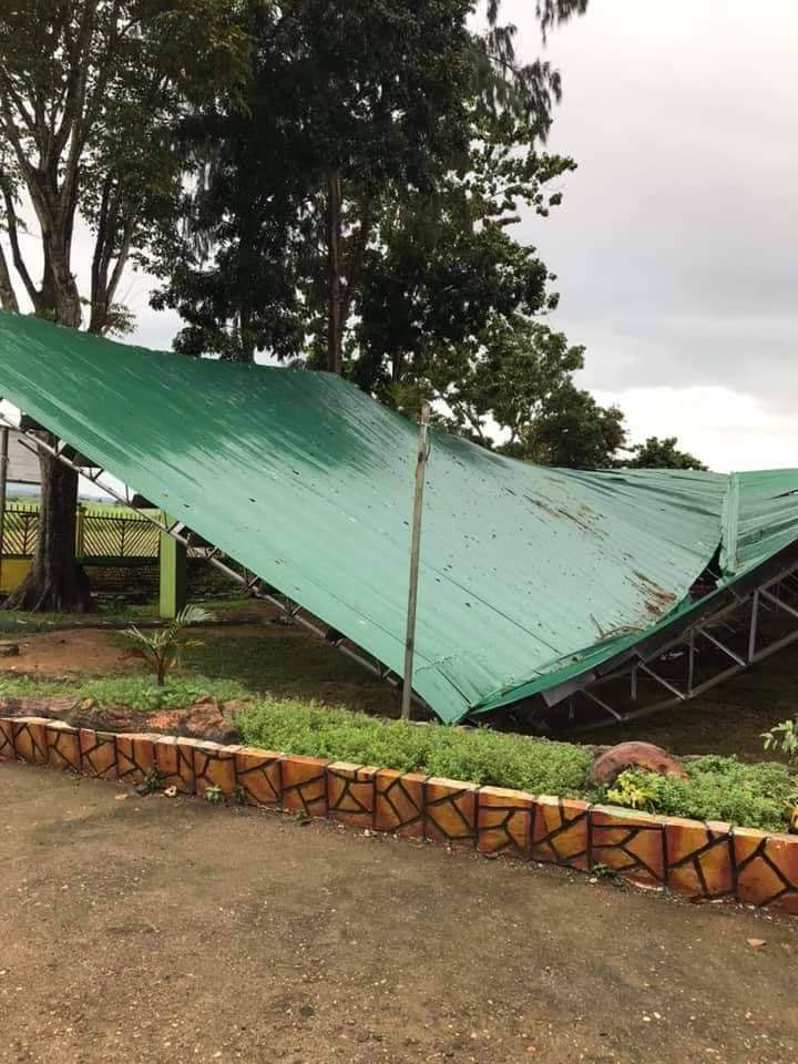 Problems with welding joints could be one of the factors that led to the collapse of the roof in Buenavista village, Himamaylan City, says District Engineer Ranolfo Melosantos. | Contributed photo