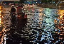 BACOLOD CITY, Philippines - The disaster chief here warned residents against flash floods as Typhoon Ursula continues to bear down on the country.