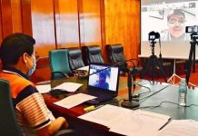 Mayor Evelio Leonardia joins the top officials of Western Visayas in a teleconference organized by Iloilo City Mayor Jerry Treñas, today, 28 May. The mayor has urged the provincial executives to oppose the opening of classes this August.*/CITY PIO