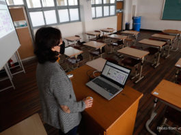 Photo from https://www.voanews.com/east-asia-pacific/south-korea-restarts-school-concerns-about-online-learning